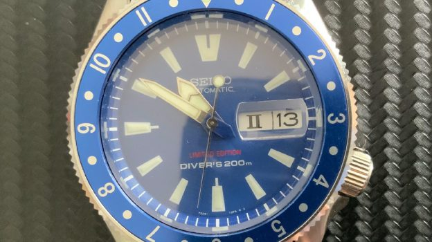 CT026 Day/Date date mag Sapphire
